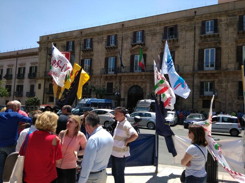 Dipendenti regionali, oggi due grandi manifestazioni a Palermo e Catania per il contratto